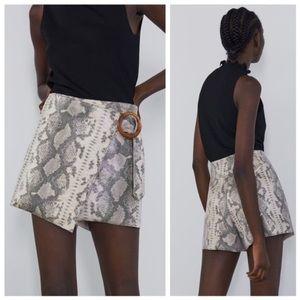 New ZARA shorts snake skin skort